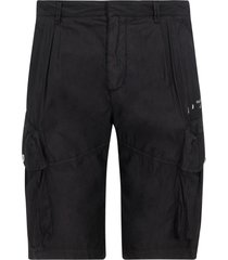bermuda shorts pantaloncini