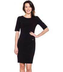 czarna, dopasowana sukienka