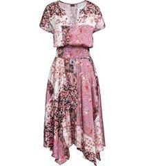 abito asimmetrico con effetto satin (rosa) - bodyflirt