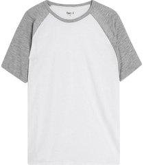 camiseta hombre manga ranglan