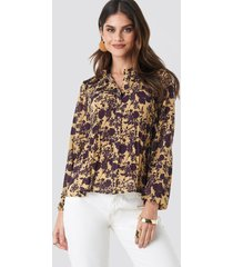 na-kd boho pleated flowy blouse - yellow