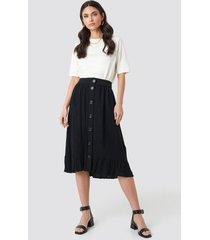 na-kd boho frill hem front button skirt - black