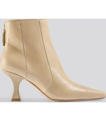 mango waves ankle boots - brown