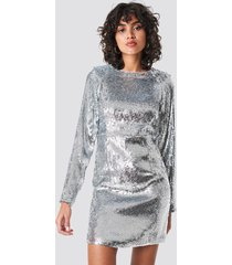 na-kd party marked shoulder sequins mini dress - silver