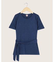 camiseta escote redondo con anudado en cintura