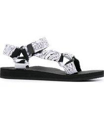 arizona love trekky bandana-print sandals