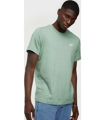 nike sportswear m nsw club tee t-shirts & linnen pine
