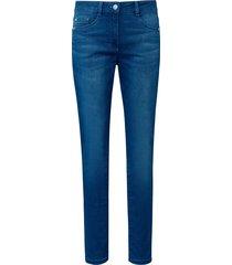 jeans model julienne met smalle pijpen van basler denim