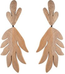 acacia wood tan leaf clip earrings, women's, josie natori