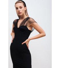 sukienka ołówkowa z tiulowymi ramiączkami
