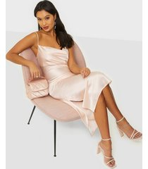 nly trend satin slip dress loose fit