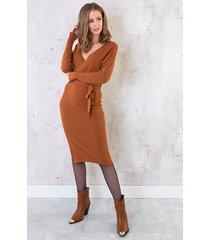stretch omslag jurk cognac