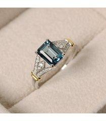 anello con gemma