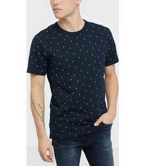 premium by jack & jones jprtristan bla. tee ss crew neck t-shirts & linnen mörk blå