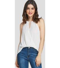 yoins blusa sin mangas con cuello halter y frente cruzado blanco diseño
