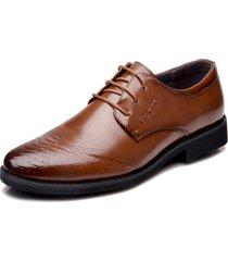 scarpe di cuoio di foraml di affari del pizzo di cuoio scolpito annata di microfiber degli uomini