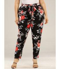 pantalones de diseño de cinturón con diseño de lazo con estampado floral de talla grande