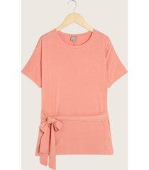 camiseta escote redondo con anudado en cintura-14