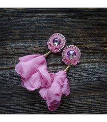 różowe , koktajlowe kolczyki soutache z kwiatami