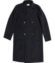 foundation coat