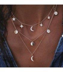 collar informal con forma de luna y sol gráfico