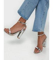 missguided block heeled sandal high heel