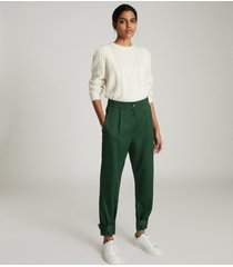 reiss duke - pleat front tapered trousers in green, womens, size 14