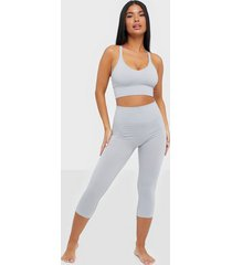 filippa k cropped seamless legging sovplagg