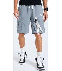 hombres casual cinta lisa diseño bolsillo con cordón en la cintura carga shorts
