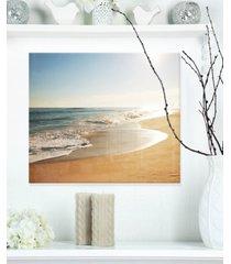 "designart 'wide seashore with crystal waters' modern beach metal wall art - 20"" x 12"""