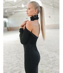 sukienka bez pleców carmen