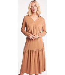 camelowa sukienka midi