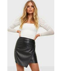 nly one leather look wrap skirt minikjolar