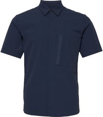 m extended ss shirt overhemd met korte mouwen blauw peak performance