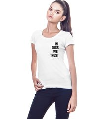 camiseta garota sideral in dogs we trust