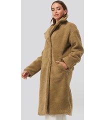 na-kd big collar teddy coat - brown