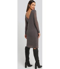 na-kd party deep back straight dress - silver