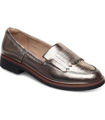 griffin kilt loafers låga skor silver clarks