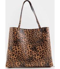 women's hannah reversible leopard tote in leopard by francesca's - size: one size