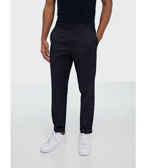 filippa k m. terry cropped trouser byxor navy