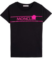 black jersey t-shirt with fluo logo