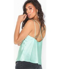 nly trend strappy detail top linnen