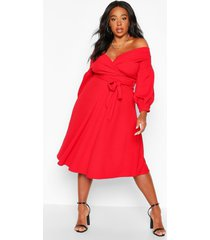 plus off shoulder midi wikkel jurk, rood