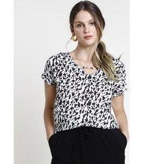 blusa feminina estampada animal print manga curta decote v branco