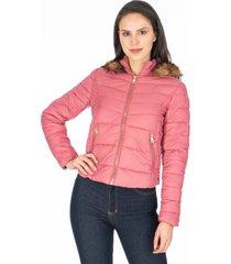 chaqueta rosa para dama acolchada con capota de peluche removible