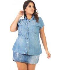 camisa jeans manga curta plus size confidencial extra feminina
