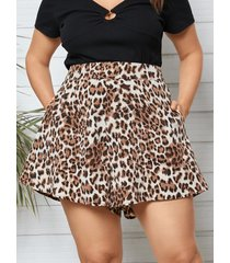 shorts de bolsillo lateral de leopardo de talla grande yoins
