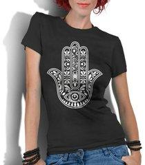 camiseta criativa urbana hamsá mão de fátima - feminino