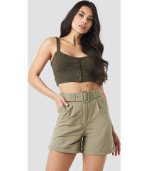 trendyol yol belt detailed shorts - green