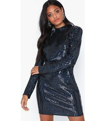 nly one holographic sequin dress paljettklänningar